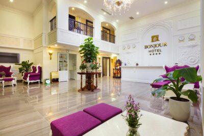 Review Bonjour Hotel Nha Trang có tốt không: Giá phòng, Dịch vụ