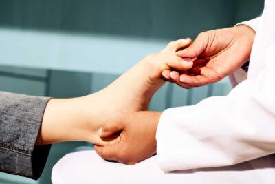 Bệnh viêm khớp cổ chân là gì, nguyên nhân, triệu chứng, cách điều trị