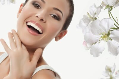 So sánh răng sâu nên trám hay nhổ, phương pháp nào an toàn hơn