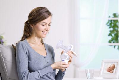 Hướng dẫn cách vắt sữa bằng máy đúng cách để sữa về nhiều nhất
