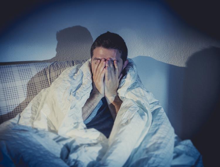 Bạn bị thiếu ngủ cũng có thể gây ra tình trạng đau nửa đầu