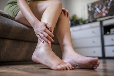 Viêm khớp sau sinh là gì, phân loại, nguyên nhân và triệu chứng