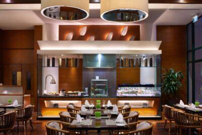 Review nhà hàng Parkroyal Saigon Hotel: Menu, Bảng giá, Không gian