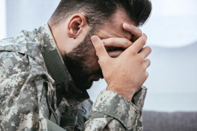 Cách sống chung với rối loạn căng thẳng sau sang chấn và trầm cảm