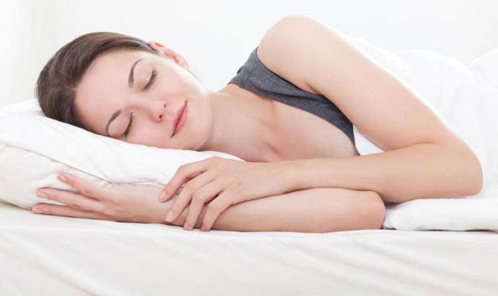 Ngủ đủ 8 tiếng mỗi ngày là cách tốt nhất để giảm tình trạng đau đầu khi thức giấc