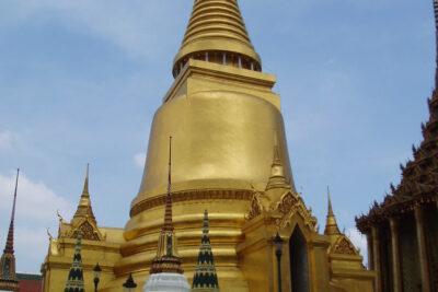 Review chùa Wat Phra Kaew có gì: Địa chỉ, Giá vé, Kiến trúc