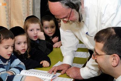 Cách dạy con từ nhỏ của người Do Thái giúp trẻ gặt hái thành công, tiền bạc sau này