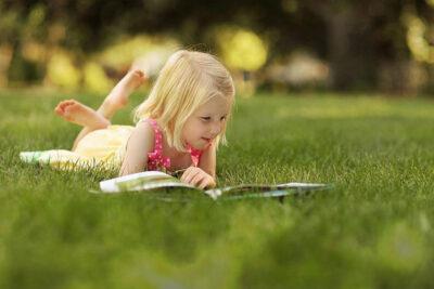 Cách khuyến khích con cái đọc sách nhiều hơn