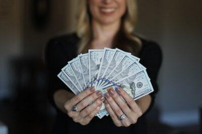 Phụ nữ ngoài 30 tuổi, nhất định nên học cách tiết kiệm tiền