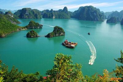 Là Người Việt Nam Phải Một Lần Đặt Chân Tới Vịnh Hạ Long